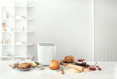 Panasonic_Croustina_Bread Maker _SD-ZP2000_lifestyle_front_white