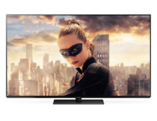 091_FY2017_Panasonic-TV-FZW804-Inscreen-Frontansich