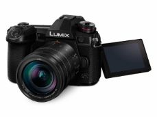 018-FY2018-Panasonic-LUMIX-G9-Display