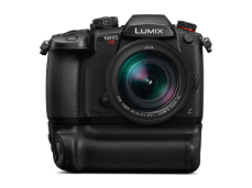 069_FY2017_Panasonic_LUMIX_GH5S_front1