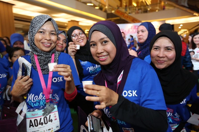 Happy faces upon completion of 5km run #MakanFunRun – Panasonic Malaysia