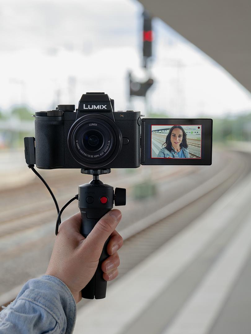 Panasonic ra mắt LUMIX G100  Chiếc máy ảnh không gương lật tốt nhất cho Vlog và Video sáng tạo