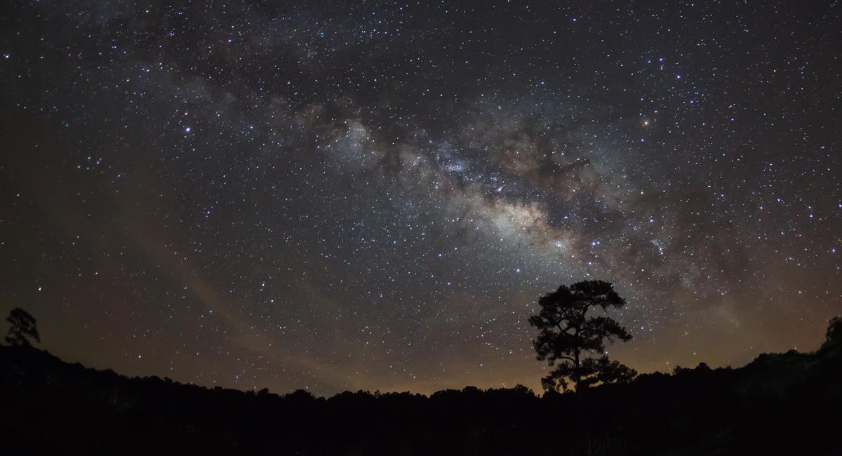 Fókuszálás gyenge fényviszonyok között – Csillagfényes AF