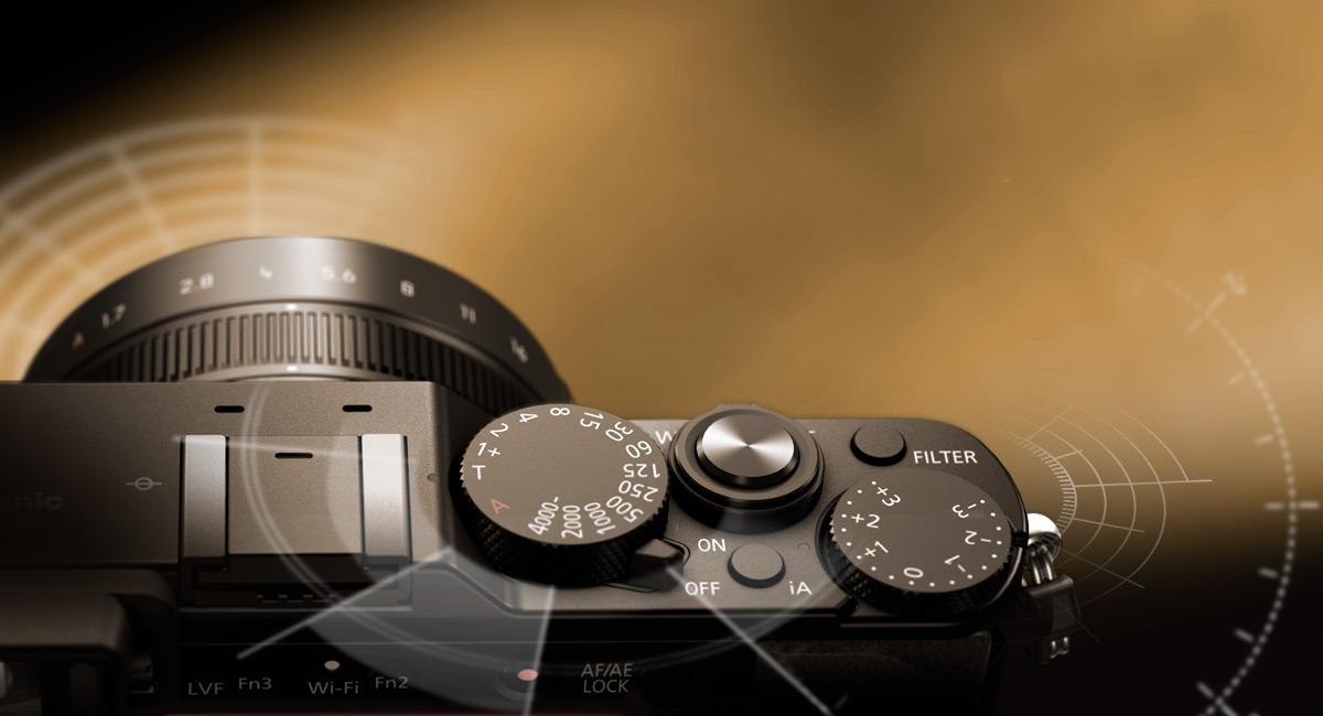 A klasszikus alakú fényképezőgépek által ihletett kézi vezérlők
