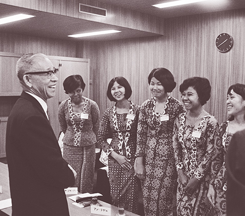Photo of Konosuke Matsushita, founder of Panasonic Corporation and Panasonic Corporation's employees