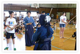 Finalists Have Fun with Japanese KWN Students