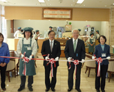 Panasonic donates industrial bread-makers in Hyogo government office