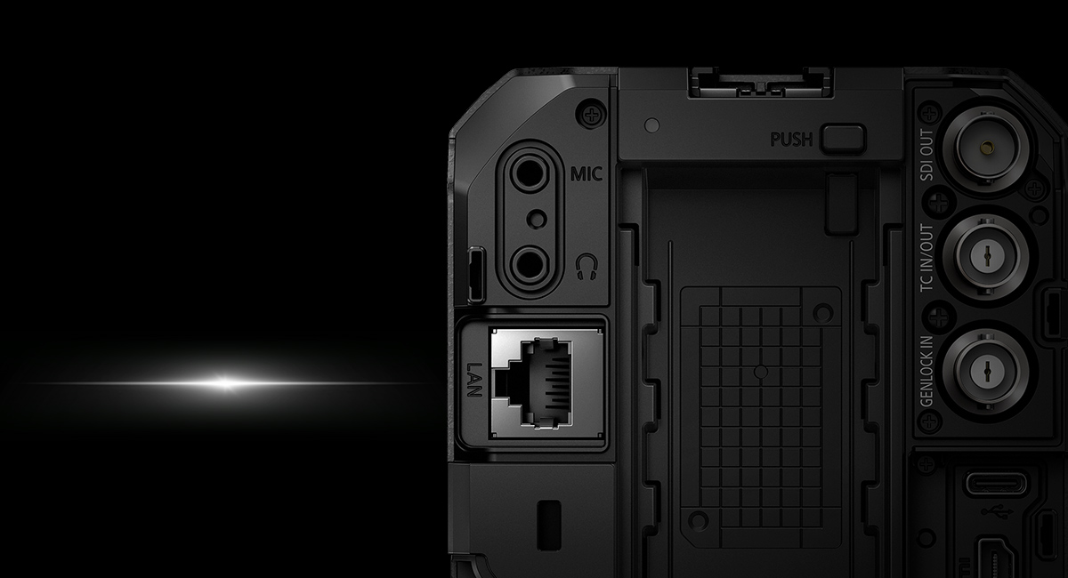 Elsőként a LUMIX termékeknél: Ethernet / PoE+ kompatibilis kamera