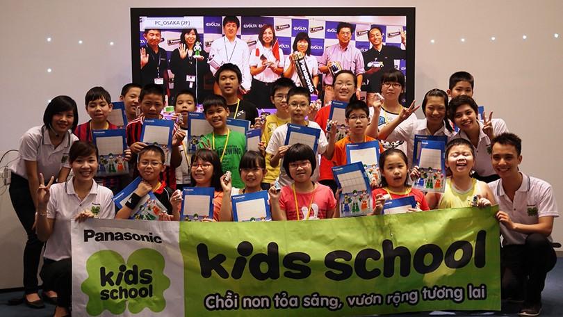 Lớp học Chế tạo pin khô thu hút nhiều học sinh tham gia tại Panasonic Risupia Việt Nam