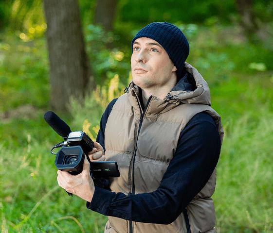 Le caméscope 4K/60p le plus petit et léger de l'industrie